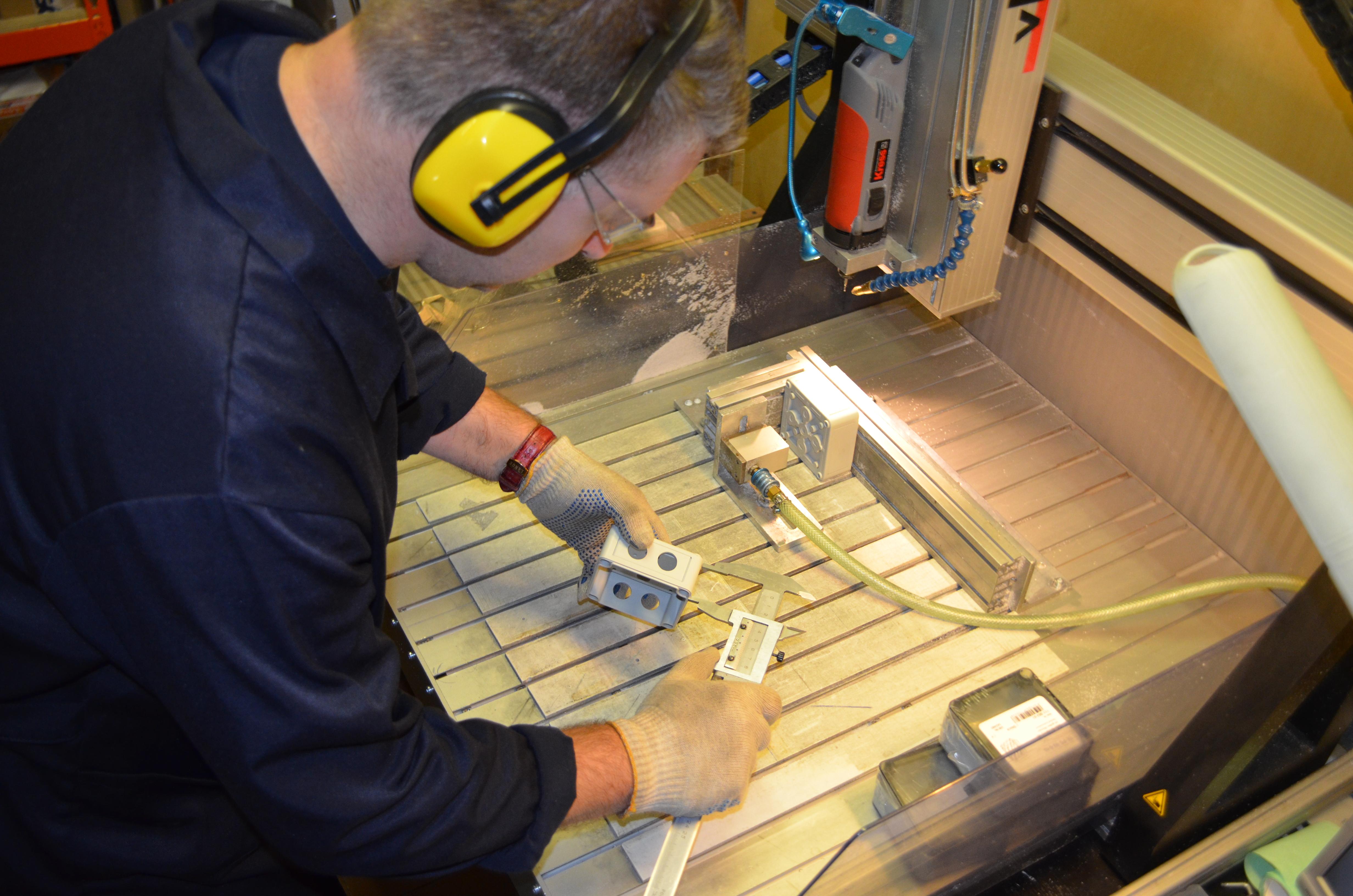 фрезеровка корпусов из алюминия и пластика